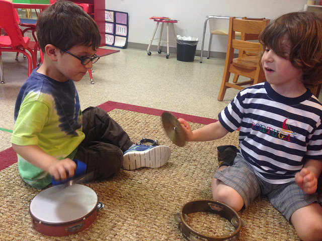 Revisiting musical instruments that we used during our הלל (Hallel) theme.